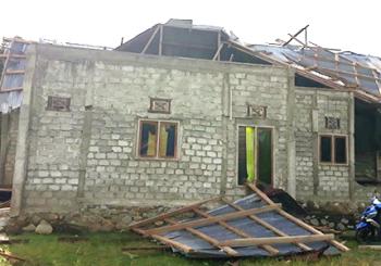 Puting Beliung Porak Porandakan Puluhan Rumah di Haltim