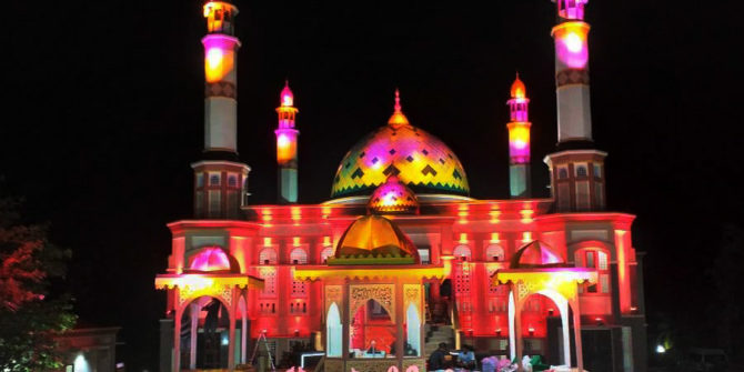 Menengok Masjid  Nurul Hasan, Tempat STQ Malut 2019 yang Bermandikan Cahaya
