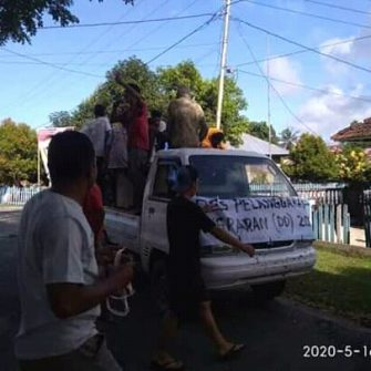 PMDM Gelar Aksi Depan Kantor Desa
