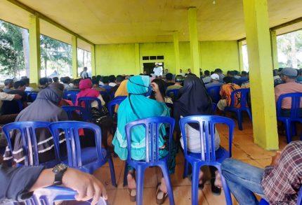 Kades Tanjung Una Diduga Angkat Sekdes Berijazah SD