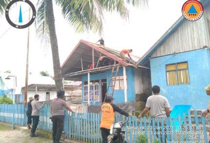 Tim BPBD Sula Tuntas Perbaiki 14 Unit Rumah
